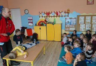 Ratownik GOPR w przedszkolu